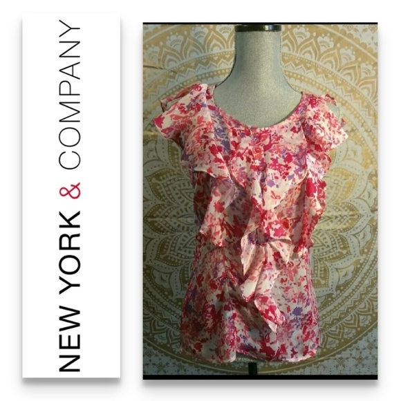 New York & Company Tops - NEW YORK & COMPANY STRETCH floral blouse XS